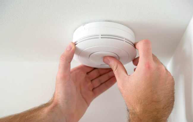 How to Properly Maintain Your Smoke Detectors